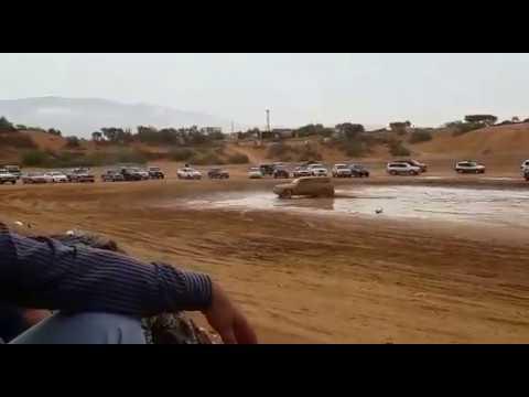 Nissan Patrol vs Toyota Land Cruiser tug of war