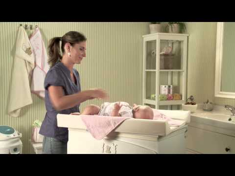 Changing the nappy: how to do it