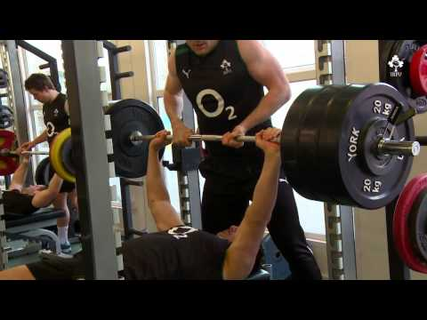 Irish Rugby TV: In The Gym With Quinny And The Ireland Team