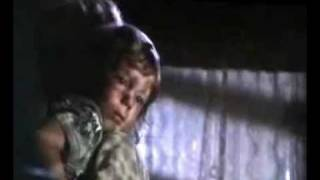 Close Encounters of the Third Kind     -  UFO kidnaps a kid