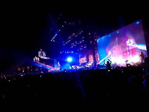 Muse - Uprising - LIVE at Coachella 2014 Weekend 2