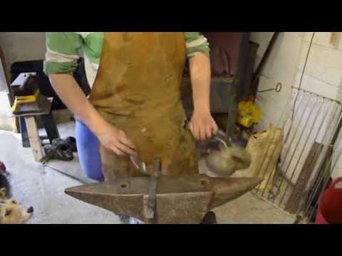 Blacksmithing Basics Episode 7 - A vice spring