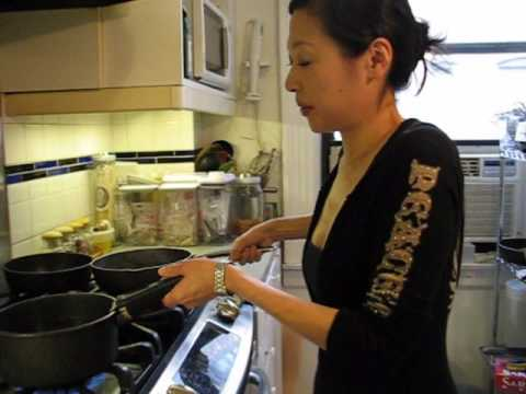 Misa's Japanese cooking lesson: Konbu & Katsuo Dashi