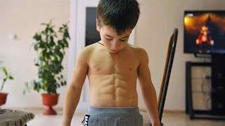 Чеченский мальчик отжался на шесть мировых рекордов