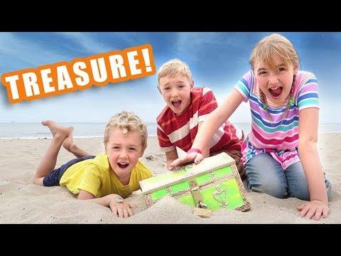 Surprise Treasure Hunt for Nickelodeon SlimeFest Tickets! *Road Trip*