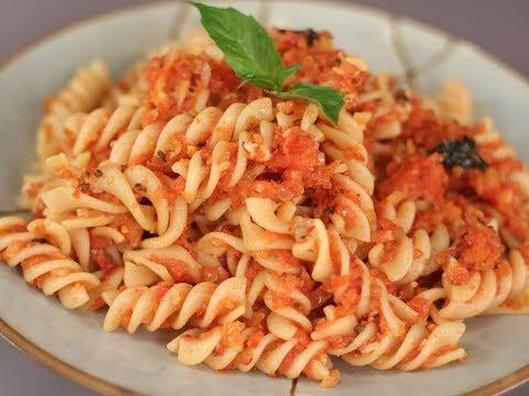 Pasta In Spicy Tomato Sauce | Sanjeev Kapoor Khazana