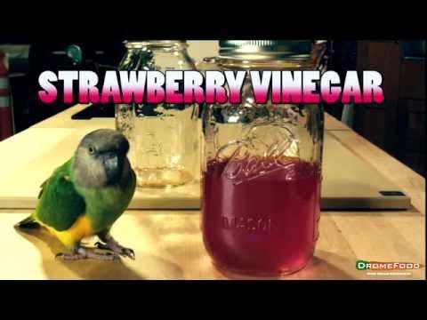 DromeFood and Farmbox: Strawberry Vinegar