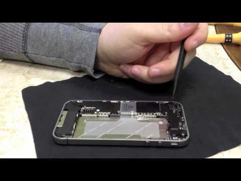 How to replace an iPhone 4 rear camera