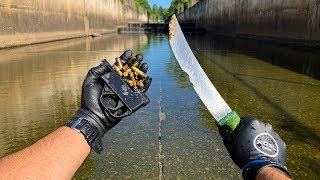 Found GUN Parts, Bullets, And Knifes in Urban Canal!! (Police Called) VR180| Jiggin
