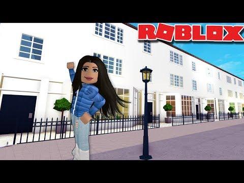 I MADE MY REAL HOUSE ON BLOXBURG | Roblox Bloxburg London House Tour