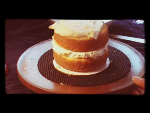 How to make a simple wedding cake