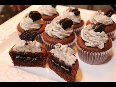 How to make Oreo Surprised Cupcake with Cookies and Cream Frosting