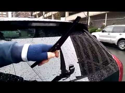 HOW TO replace Toyota VENZA rear wiper blade