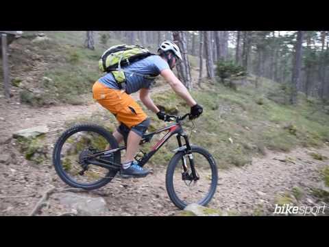 bikesport Magazin - Mountainbike Fahrtechnik: Spitzkehren fahren lernen