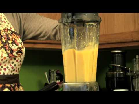 How to Make a Fruit Juice Smoothie Using Mangoes, Orange Juice and Bananas