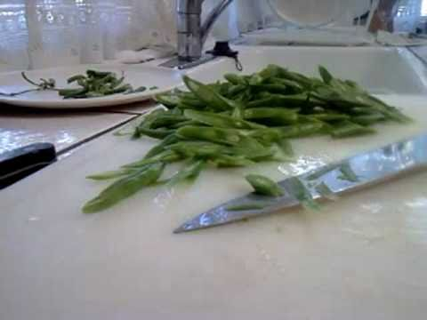 How to Cut Vegetables:  Angle Slice Blue-Lake Beans (San Jose CA)