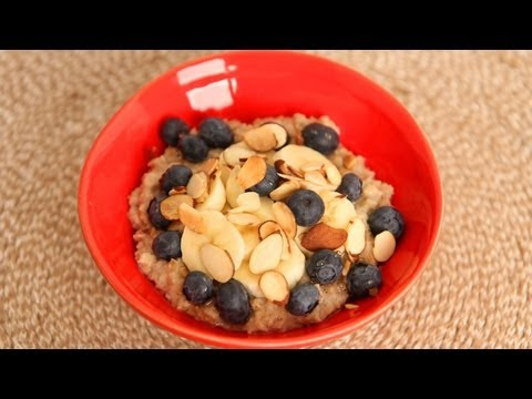 Laura's Favorite Quick Oatmeal Breakfast Recipe - Laura Vitale - Laura in the Kitchen Episode 520