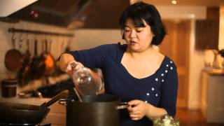 Affordable Autumn Recipes - Burmese Coconut Chicken Noodles from MeeMaLee