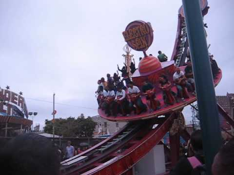 Coney Island NY Theme Park (1)