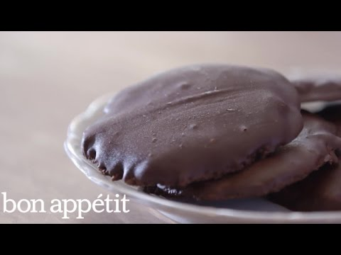 Vegan, Gluten-Free Thin Mint Cookies from BabyCakes | Sweet Spots