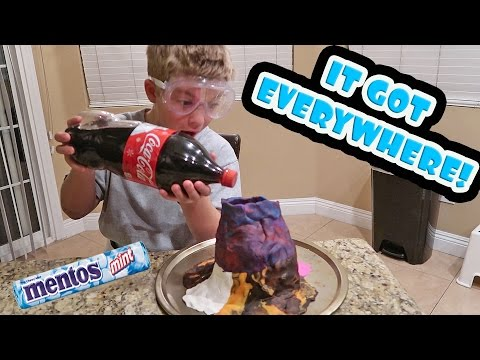 MENTOS AND COKE VOLCANO EXPERIMENT!