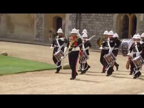 The Changing of the Guard   Windsor Castle   ZagLeft