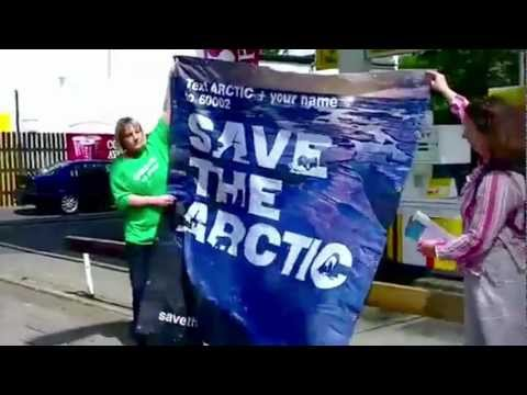 You are amazing: Greenpeace in 2012 (music by the Maccabees)