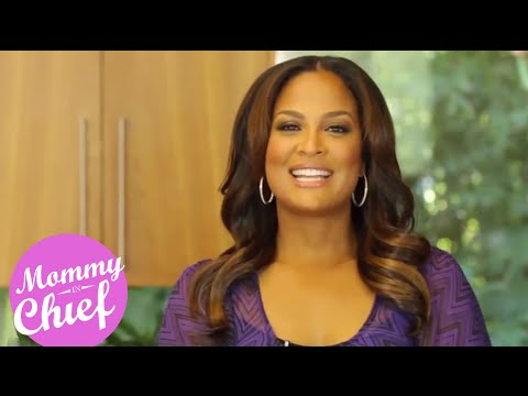 How To Make Laila Ali's Famous Oven Fried Chicken | Mommy in Chief S4E1