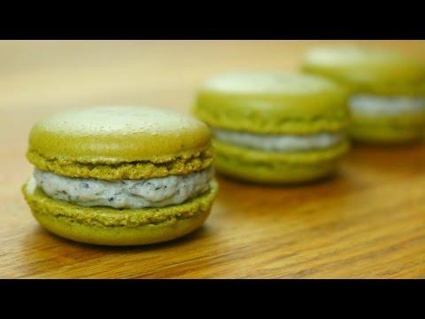 Green Tea Matcha French Macarons | sweetco0kiepie
