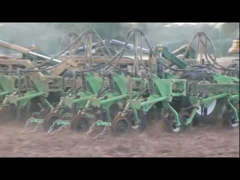 Excel trailing 3 bar parallelogram frame tyne planter with CR600 row units