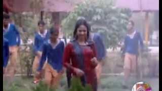 বৃষ্টি পড়ে টাপুর টুপুর    Hridoy Khan Ft Dolly Syntony    2015 Bangla Romantic Music Video