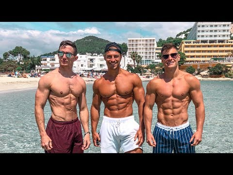 Lifting Weights & Throwing Shapes | Ibiza Vlog