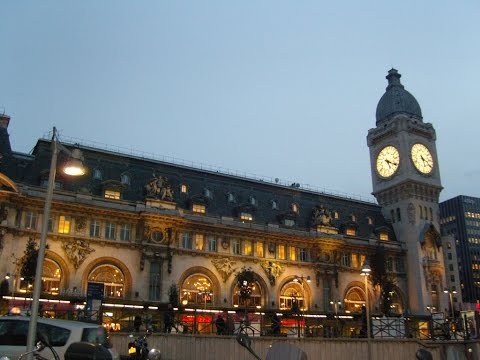 A Walk Around The Gare de Lyon Train Station, Paris