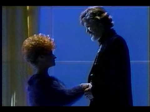 Kris Kristofferson & Brenda Lee - Help Me Make It Through the Night