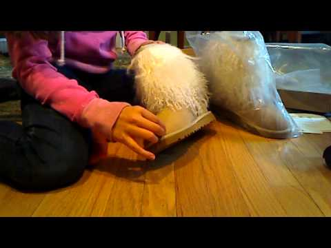 Sand sheepskin cuff uggs *THESE ARE FOR SALE NOW/ IN SAME CONDITION*