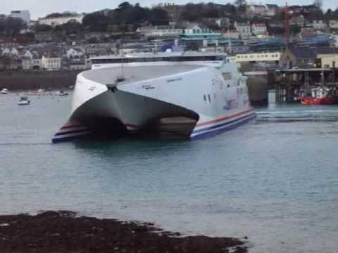 Condor Vitesse arrives in Guernsey