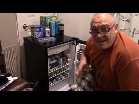 Two Ducks Walk Into a Bar: Pirate Stu's Bootyful Joke of the Day #0370