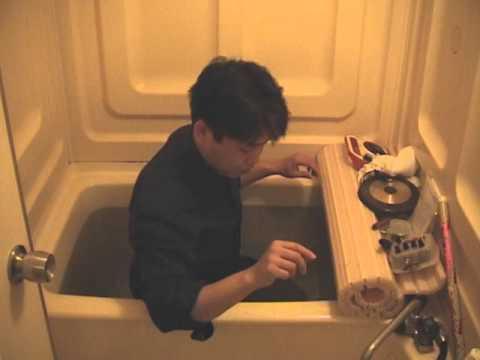 Sound Poetry in a Bath - ADACHI Tomomi