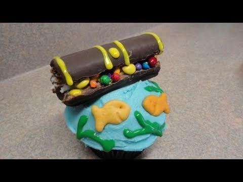 Decorating Cupcakes: #33 Pirate Treasure Chest