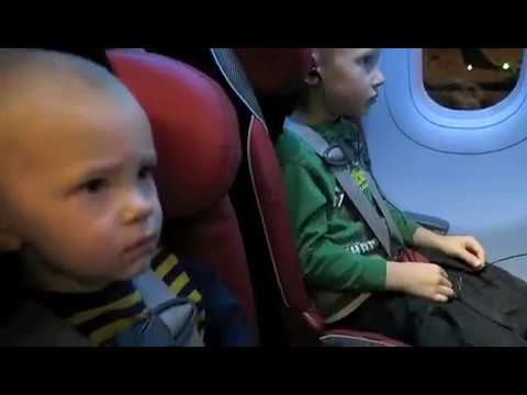 Air Travel With Kids - Car Seats on the Plane?!