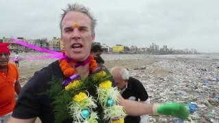 Swimmer Lewis Pugh Takes Part in Mumbai Beach Cleanup