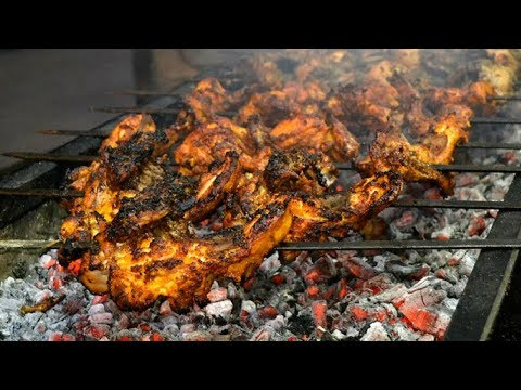 Pakistani Street Food Peshawar || Street Food Karachi Pakistan || Pakistani Street Food || Food Bank