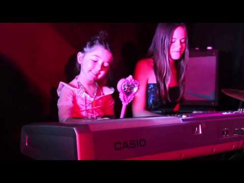 Rolling in the Deep - JB & The Boombox Girls!