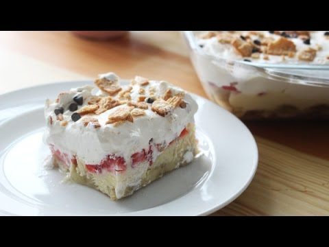 How to make strawberry & banana dessert,recipe for banana split cake dessert,banana split ingredient