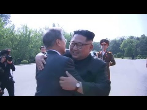 Kim and Moon meet to save Singapore summit