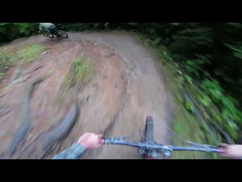 Crazy wet day! Queenstown bike park / pole evolink / RAW