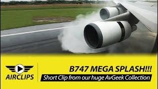 INCREDIBLE!! Boeing 747-400 MEGA SPLASH during thrust reverse - EVA Air Taipei Landing!  [AirClips]