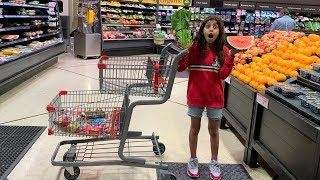 Deema play Grocery Fruits Shopping in Supermarket!