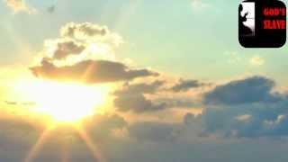 Allah bizi namaz qilmayanlardan,oruc tutmayanlardan qerar vermesin. Amin. (Azan Shirvanli qardashimiz Haci Zahir terefinden teqdim olunur)
