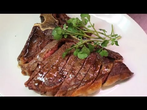 How to Cook a Tender & Juicy T-Bone Steak in the Oven : Meat Dishes